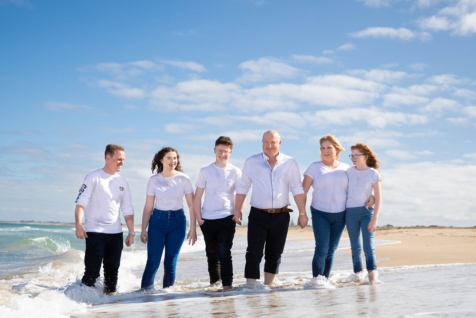 Family portraits at the beach – Family photography in Perth