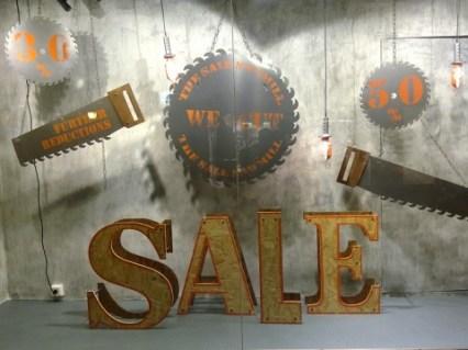 diesel-sale-vitrine