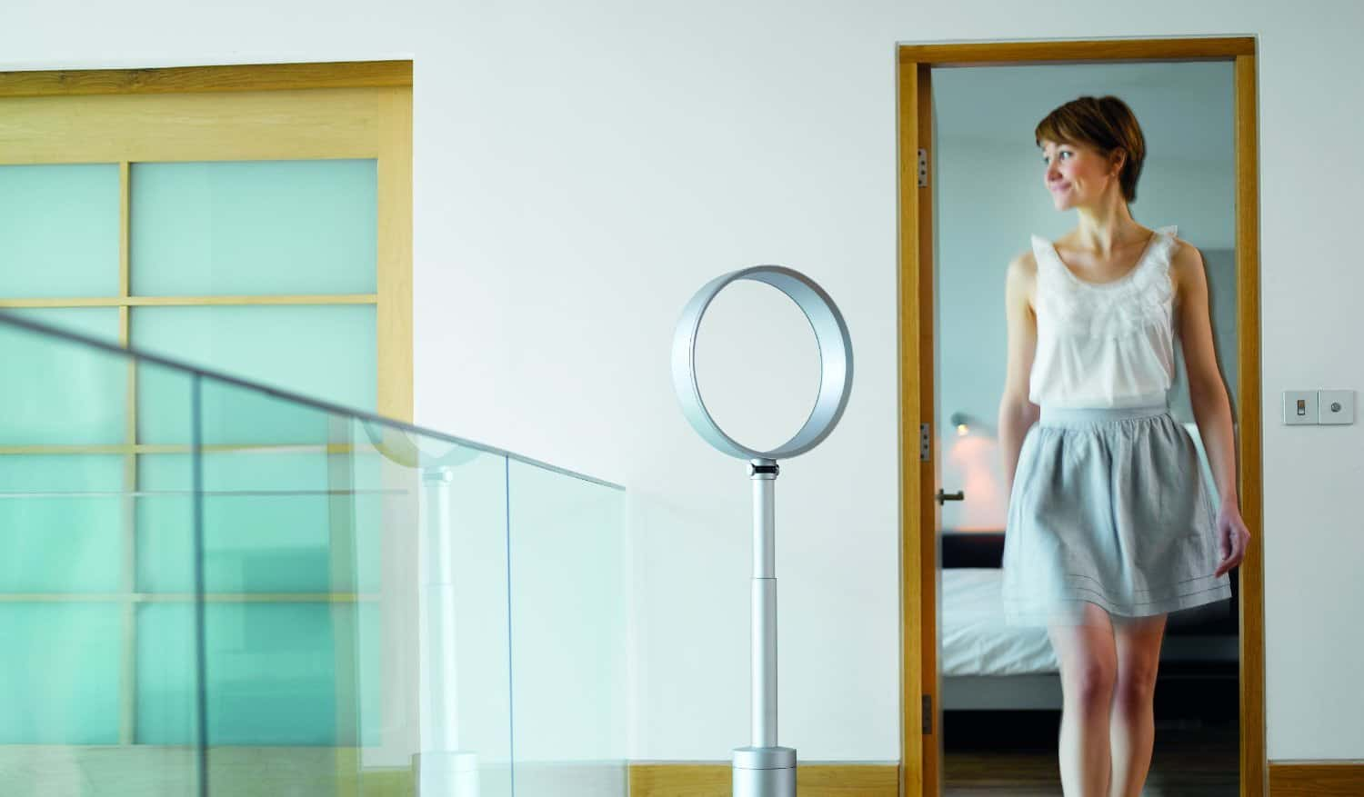 cool air head bladeless model white tall dyson inc outer base and multiplier pedestal year technology dp version guarantee uk fan