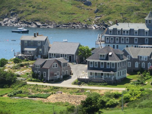 monhegan-2016-pierce-cotage-from-lighthouse