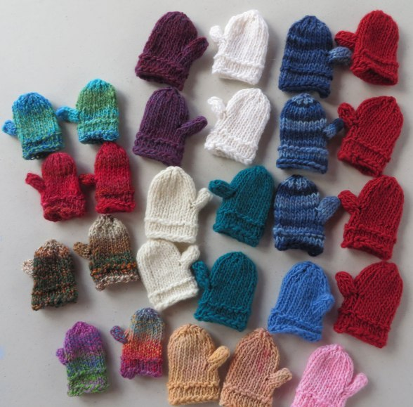 lots-of-tiny-mittens-for-web