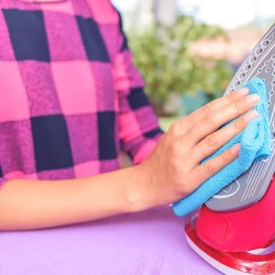 How-to-Clean-the-Iron