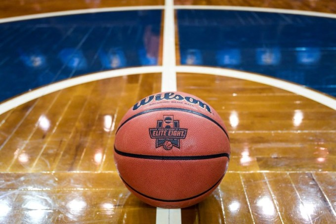 Watch NCAA Elite Eight Anywhere with VPN