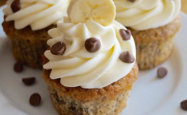 Banana Cupcakes With Cream Cheese Frosting What Jessica