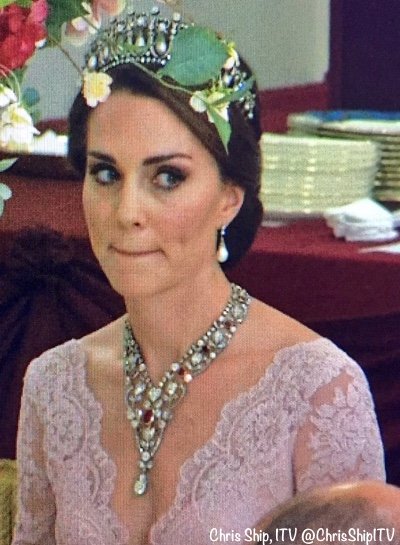 The Duchess Shines In Marchesa Amp Shimmering New Jewels For