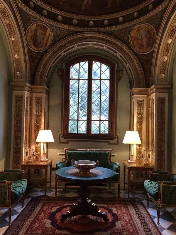 Four seasons Florence lobby
