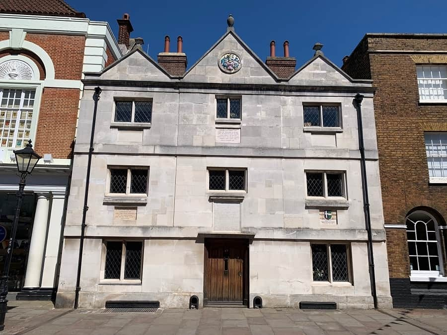 Six Poor Travellers House in Rochester