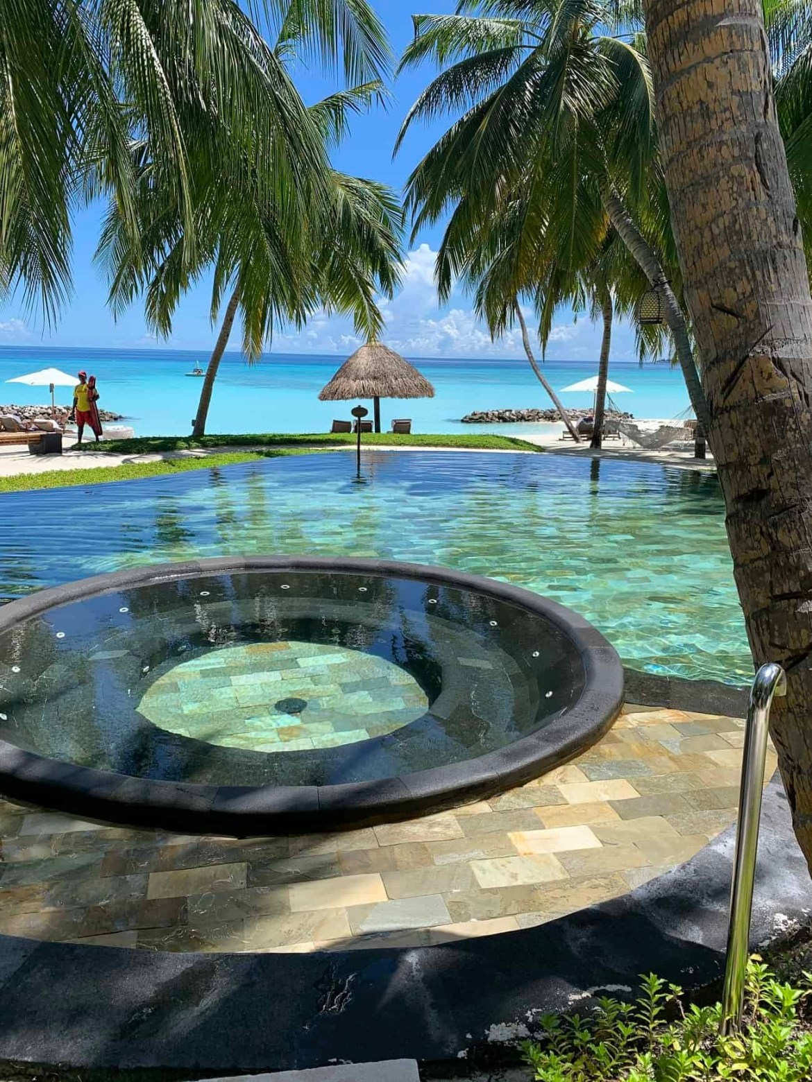 The pool at Reethi Rah