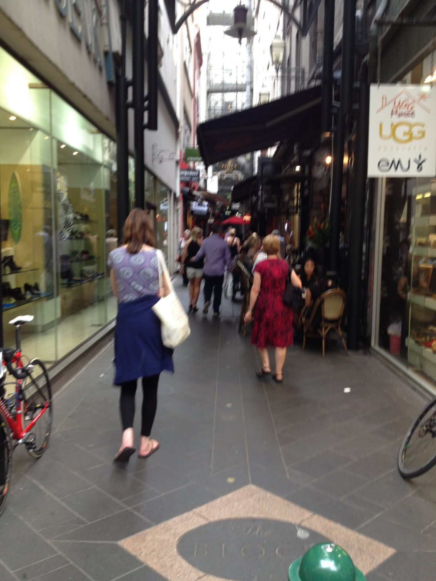Finding alleyways when exploring Melbourne