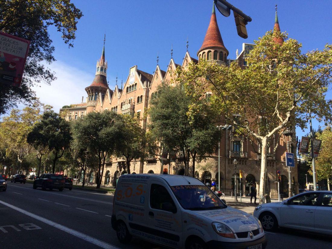 Architecture near La Sagrada Familia