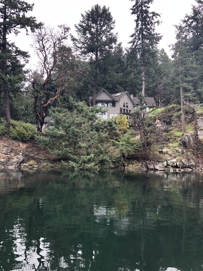 Gorgeous house in BC when whale watching