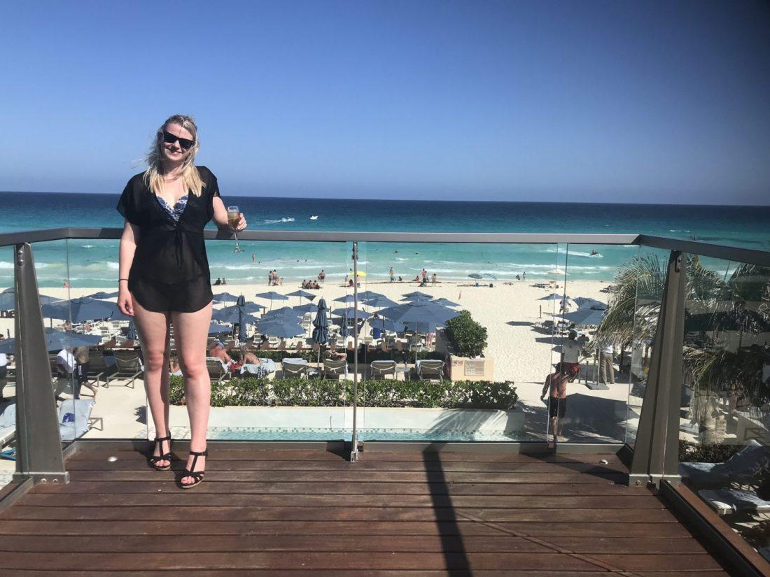 Laura in Cancun
