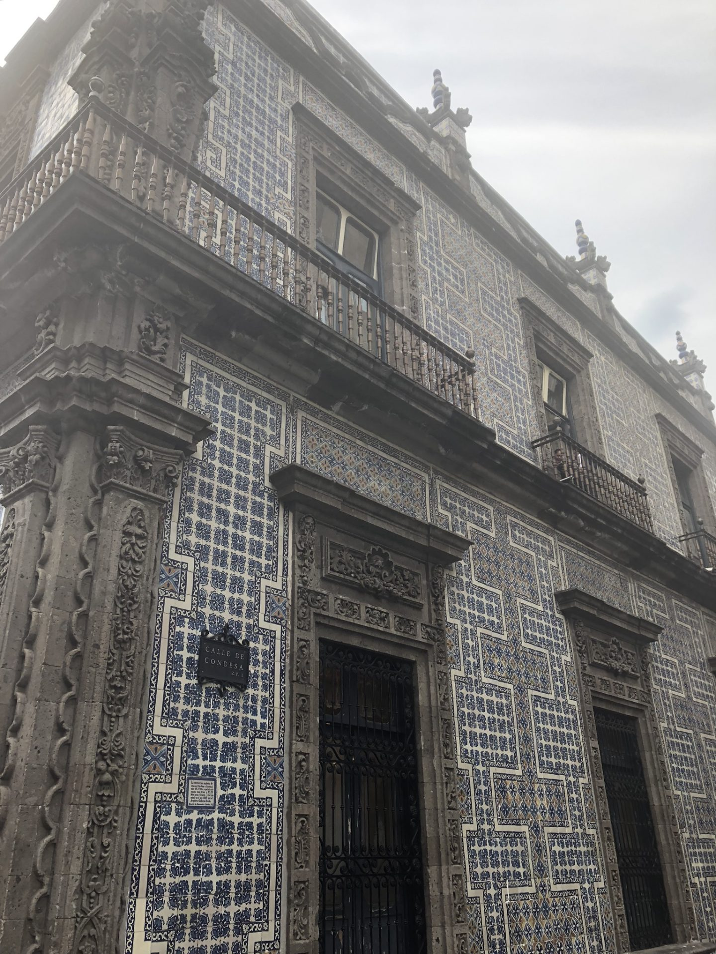 The House of Tiles, La Casa de Azulejos
