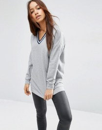 http://www.asos.com/asos/asos-sweatshirt-with-stripe-tipping-in-longline/prd/6806691?iid=6806691&clr=Greymarl&cid=21867&pgesize=36&pge=0&totalstyles=644&gridsize=3&gridrow=1&gridcolumn=3