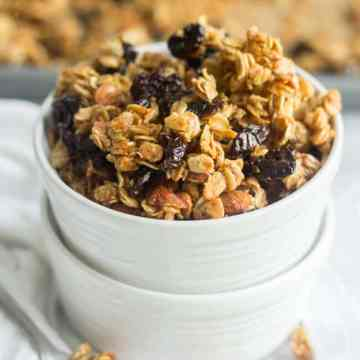 Crunchy, sticky and sweet, this homemade granola is made in one bowl and has so much flavor. Sweetened with mostly maple syrup, this healthy breakfast or snack recipe is so easy to make. Mix all 8 ingredients in a bowl and spread it on the pan and bake for 45 mins.
