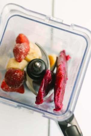 ingredients for a dragon fruit bowl in the blender