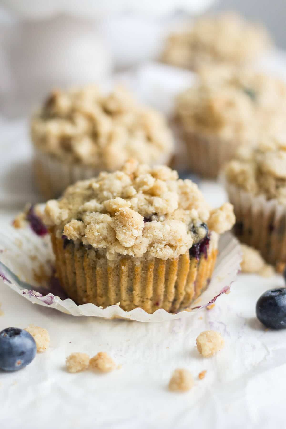 Easy Blueberry Muffins With Crumble Topping