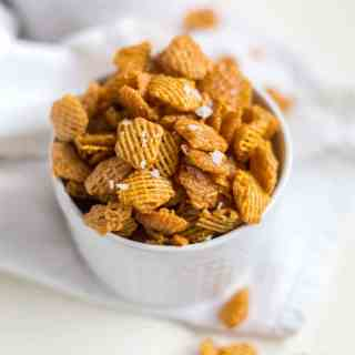 Seriously Addicting Salted Caramel Crispix Party Mix