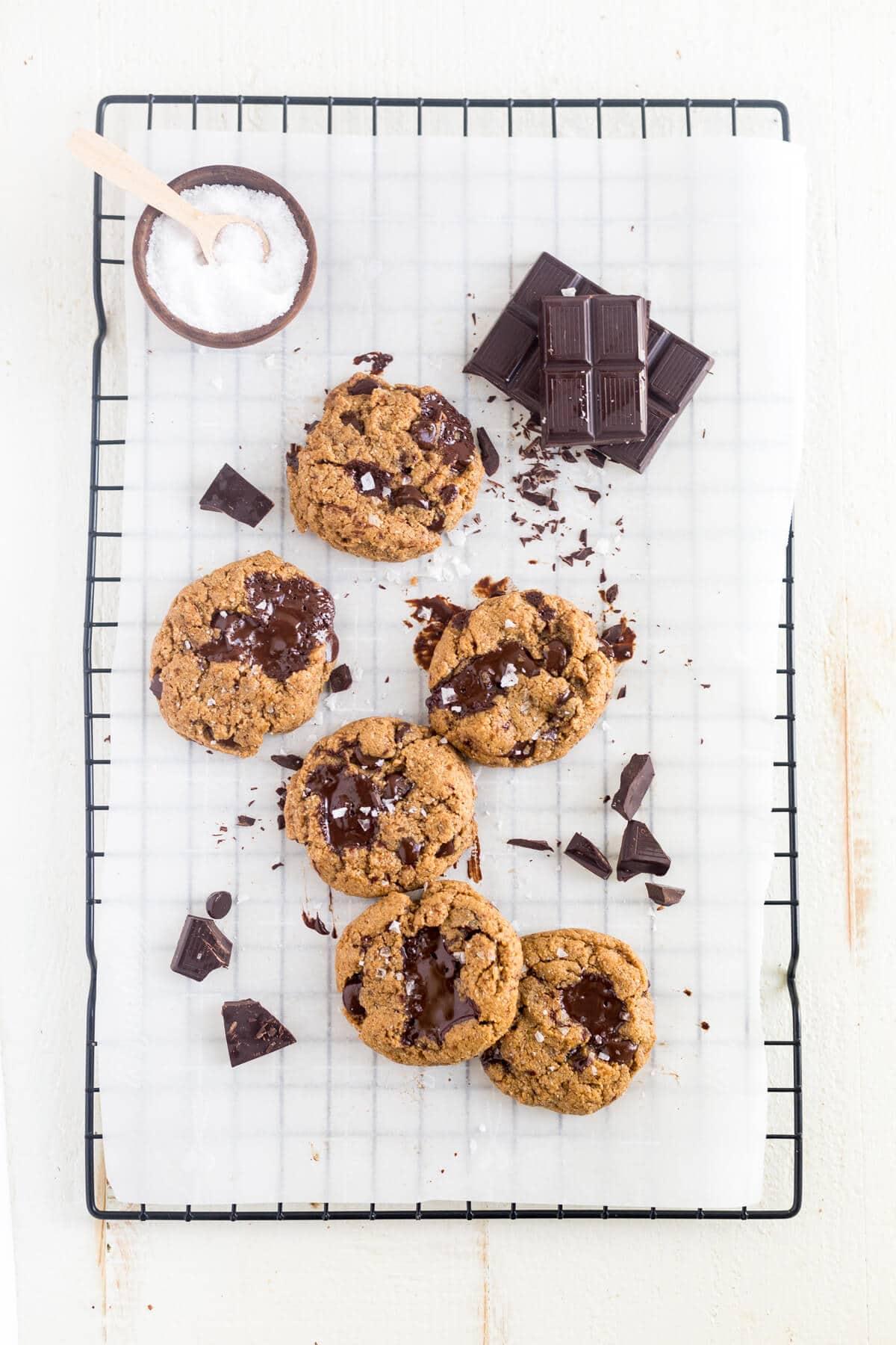 paleo chocolate chip cookies coconut flour