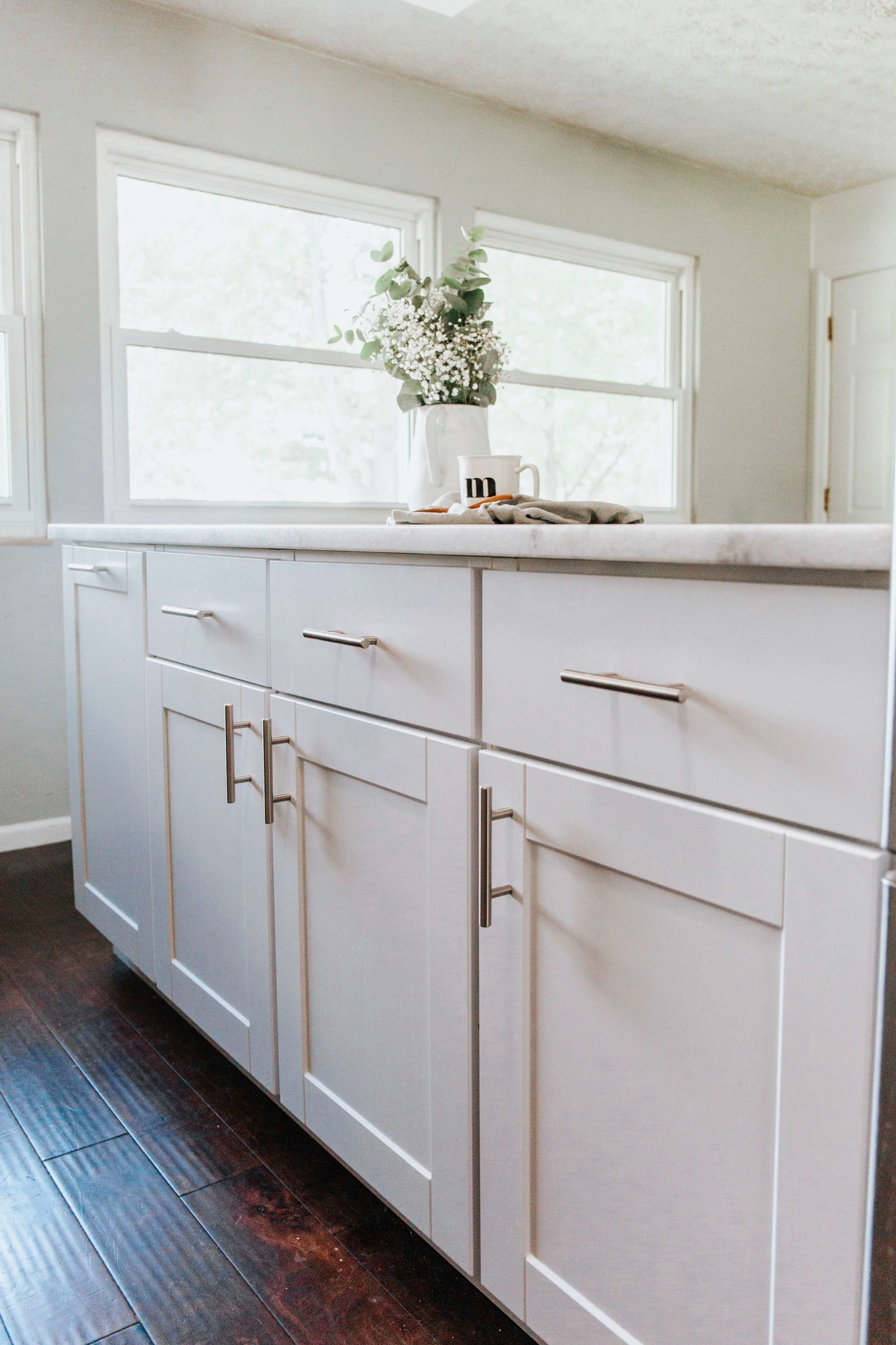 modern farmhouse kitchen island