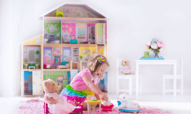 """Gift Guide: The Best Doll Houses <span class=""""amp"""">&</span> Accessories For Your Doll-Obsessed Girl (orBoy!)"""