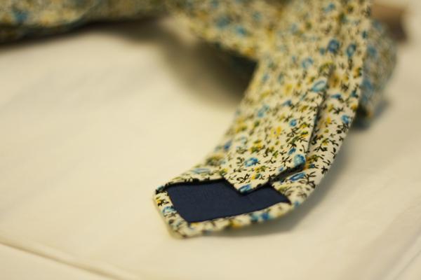blue-floral-back