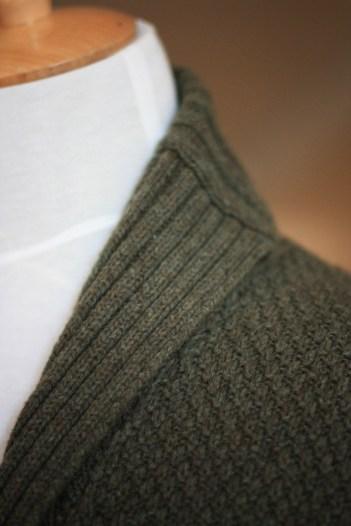 Cardigan---collar-close-up