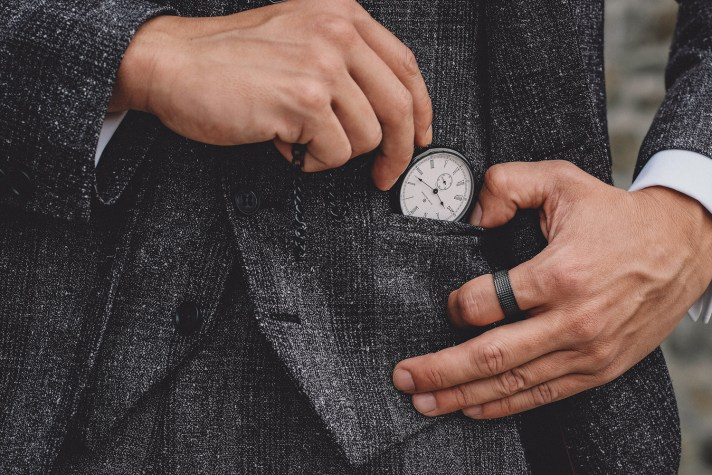 Peaky-Blinders-Style-1920's-Mens-Fashion-3-(pocket-watch)