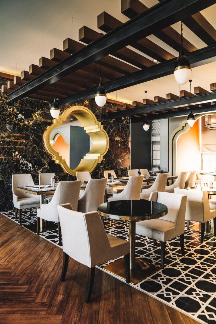 Thailand-Phuket-Breakfast-Room-Avista-Grande-Karon