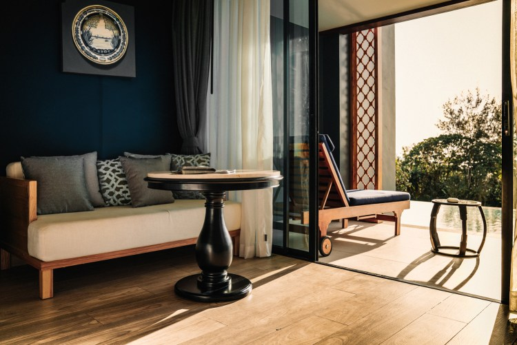 Thailand-Phuket-room-lounge-Avista-Grande-Karon