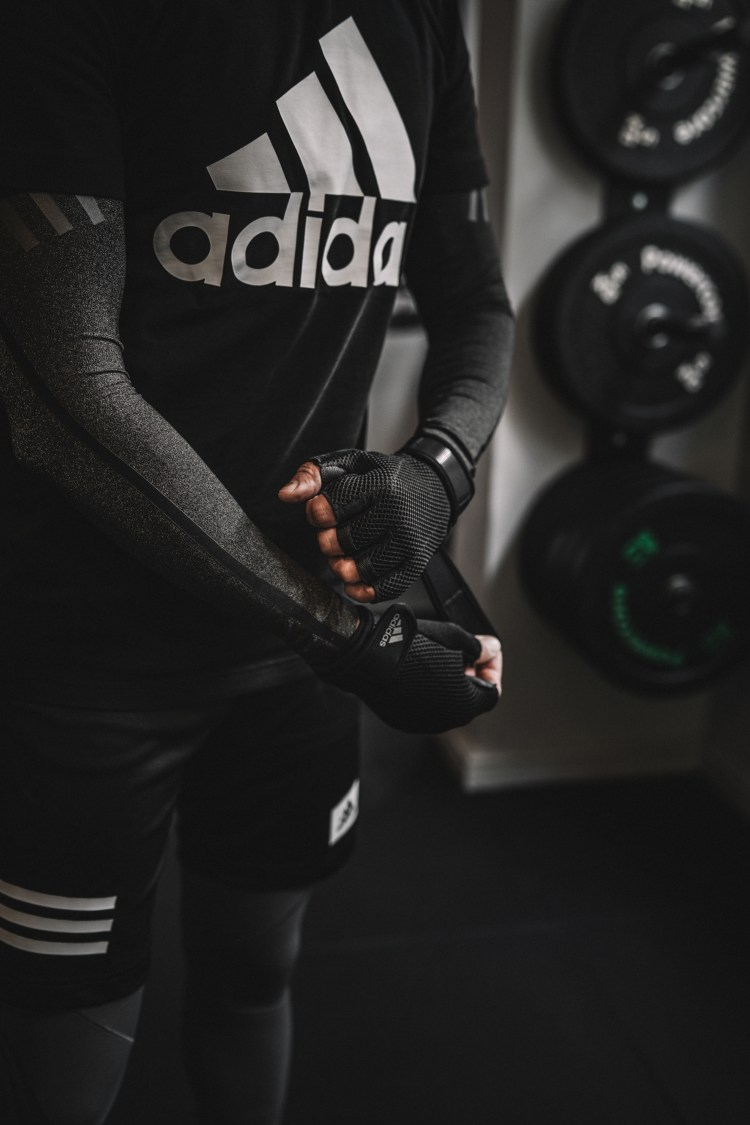 Arrow-Club---Adidas-Gloves