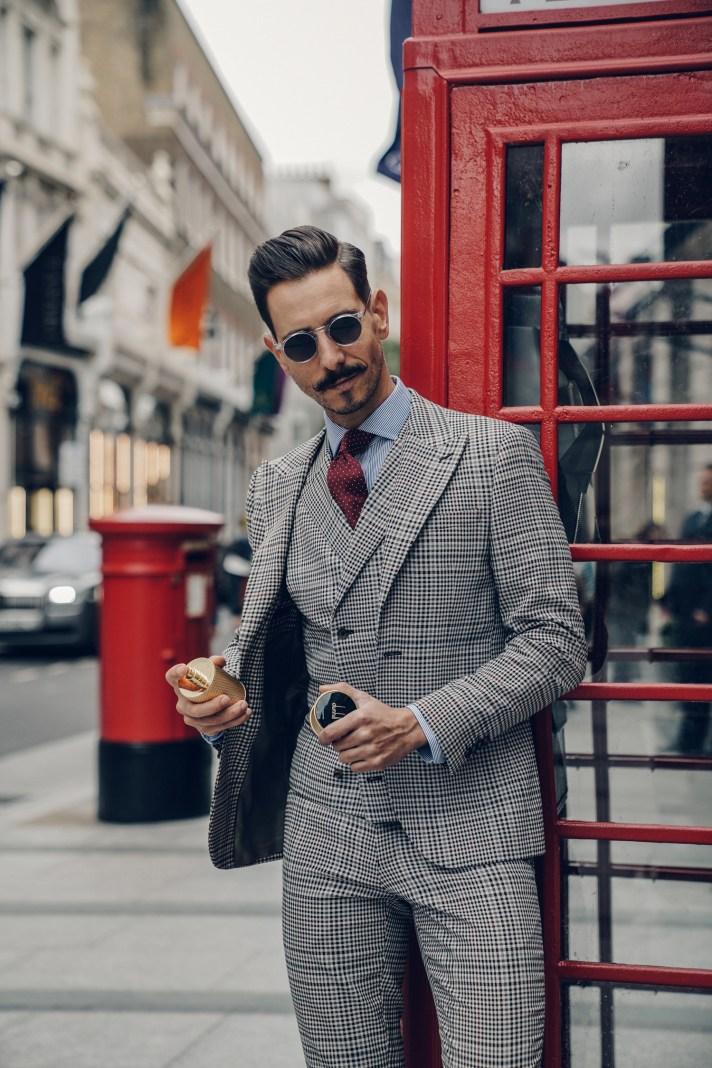 london-Phonebooth