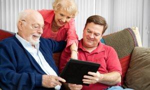 Starsi ludzie ruszają na podój Internetu…