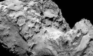 Kometa badana przez sondę Rosetta zmienia kolor