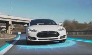 Tesla pokazuje w filmiku w jaki sposób działa tryb autonomicznej jazdy ich samochodów