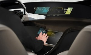 Hologramy przyszłością interfejsu samochodowego?