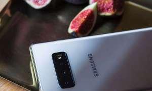 Więcej informacji o ekranie w Samsungu Galaxy S10+