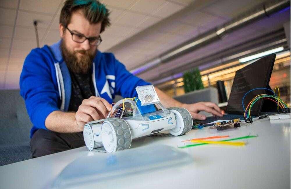 Robot RVR od Sphero powstał po to, aby go programować