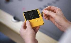 Playdate kreuje się na najdziwniejszy handheld w historii