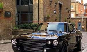 """Elektryczny """"Mustang"""" od Charge zachował klasyczny wygląd"""