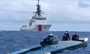 Zobacz jak Straż Przybrzeżna USA pojmuje przemytników narkotyków