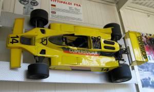 Wyjątkowy samochód F1 Fittipaldi F5A nadal podbija tory