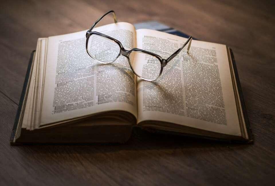 Naukowcy opracowali okulary, które śledzą oczy i zapewniają autofocus