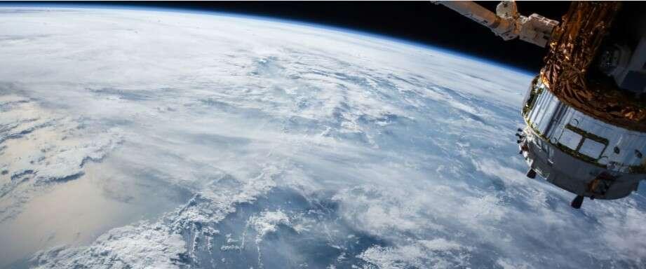 Satelita uchwyciła start chińskiej rakiety na morzu