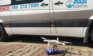 Drony wygrały z ambulansami w wyścigu dostarczania apteczki
