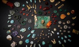 W zniszczonych Pompejach znaleziono amulety w kształcie penisów