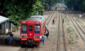 Jak wyskoczyć z poruszającego się pociągu?