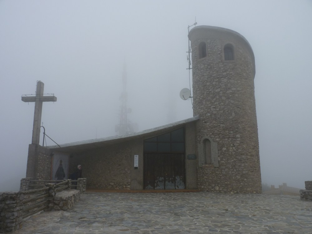 HEAD IN THE CLOUDS AT 1494 METRES ABOVE SEA LEVEL (2/6)
