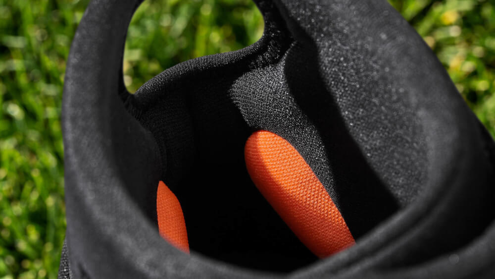 e040f18d3bf8 Carried over from the previous model is the same sculpted ankle padding  (inside the cleat)