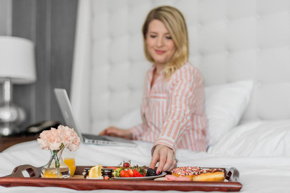 Pfister_Hotel_Room_Service_Mattinson_Photography_Milwaukee_web-50